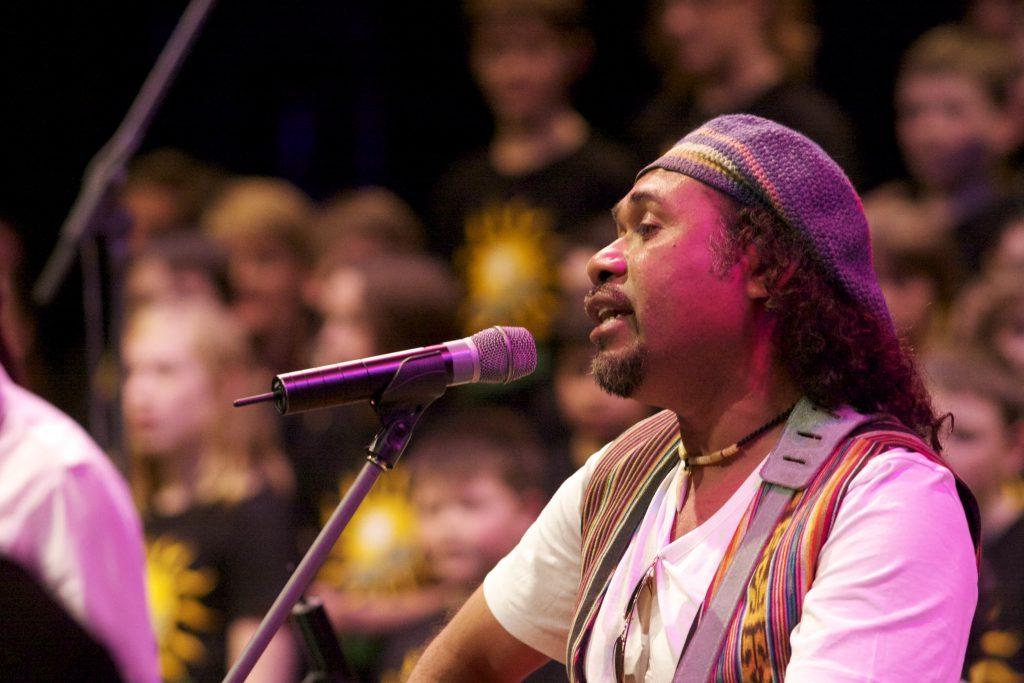 Millennium Chorus 2012, Mai Fali Eh, Ego Lemos (Photo: Jorge de Araujo)